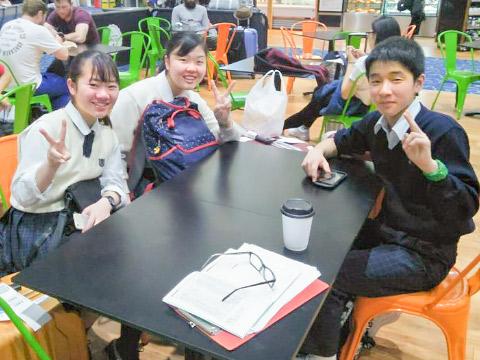 先発留学中の3人