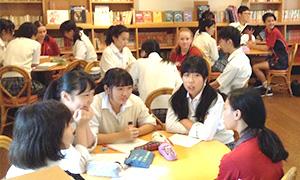 留学生を受け入れることで異文化に触れることができる