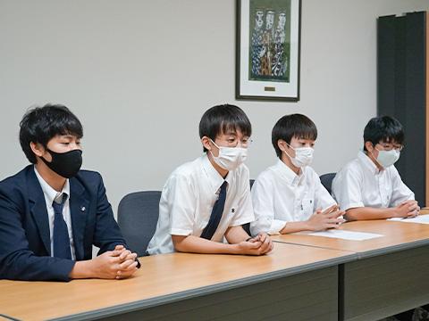 北川雄造さん、飯尾陸功さん、濱田利駆さん、奥山柊歩さん