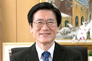 学校長 角田 秀明先生