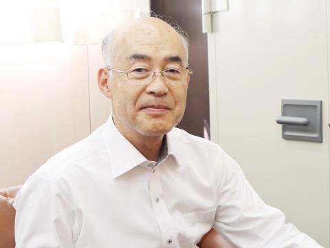 白梅学園大学の教授と清修の校長を兼任する山田裕先生