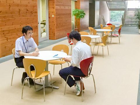 職員室前コミュニケーションスペース