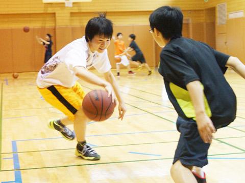 中学バスケットボール部の活動のようす
