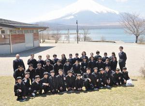 入学式を終えてまもなく行なわれる2泊3日のフレッシュマンキャンプ