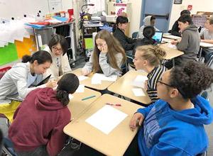 ホストファミリーと現地校に登校。授業に参加して交流を深めます