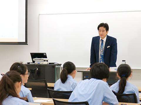 清水克志先生による特別授業の風景