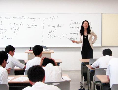 秀明大学での英語特別授業