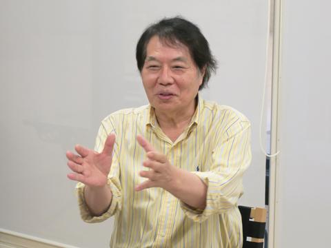 慶應義塾大学名誉教授やPEN言語教育サービス代表を務める田中茂範さん。理論に基づいた英語教育で長年企業の英語研修を実施。英語学習法に関する著書も多数。