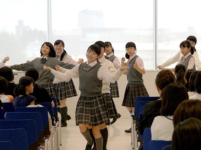 10:30 ダンス部パフォーマンス