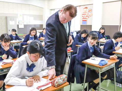 英語は実技科目。「英語を英語の語順のまま理解する」ことを徹底し、活用していく。