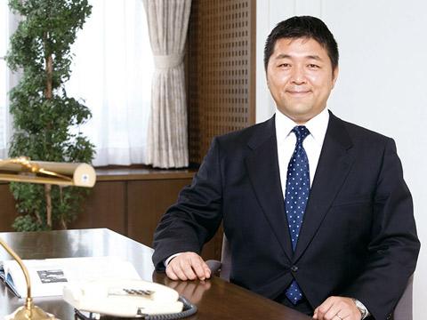 山口龍介副校長