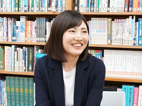 数学科教諭の島田朱梨先生