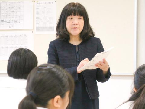 担当の野田先生は英語科ですが韓国語もサポート