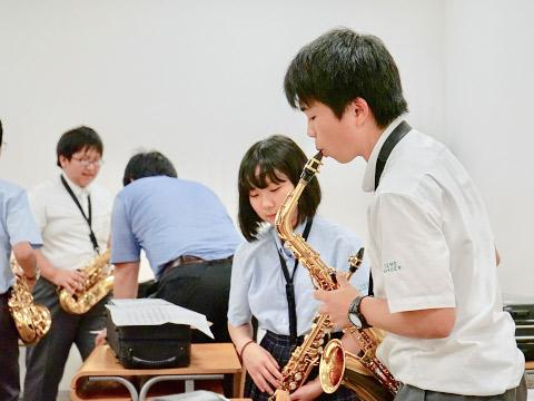 サクソフォンの授業風景
