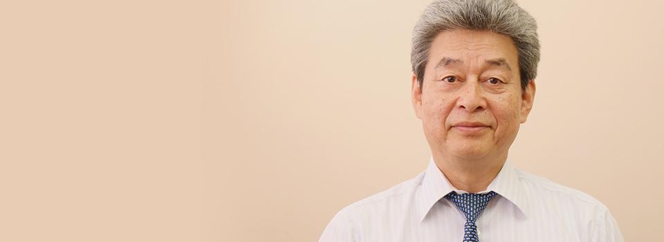 教頭、英語科教諭の松下寿久先生