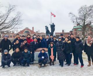 カナダ特別留学プログラムに参加した高1の生徒たち