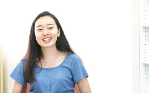 国際基督教大学(ICU) 教養学部1年生 樋口 絹香さん(ヒグチキヌカ)