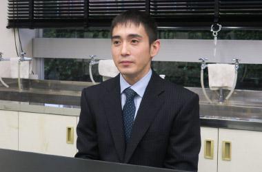 中学校理科担当の中嶋亮太先生