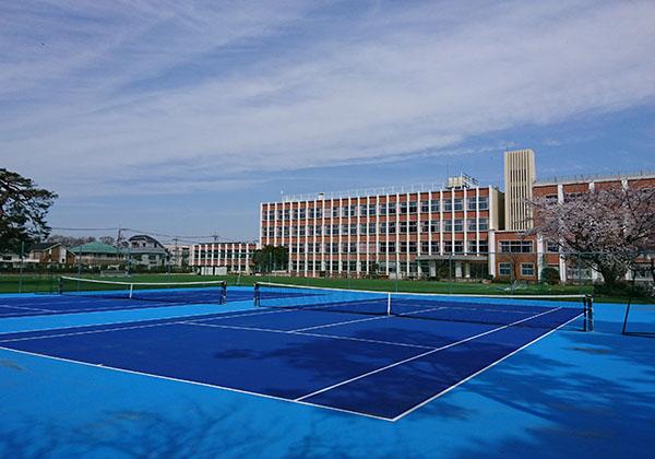 整備されたテニスコート