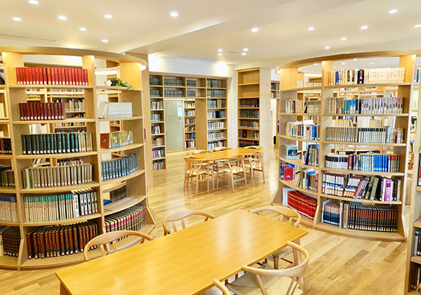 多目的図書室フォレスト