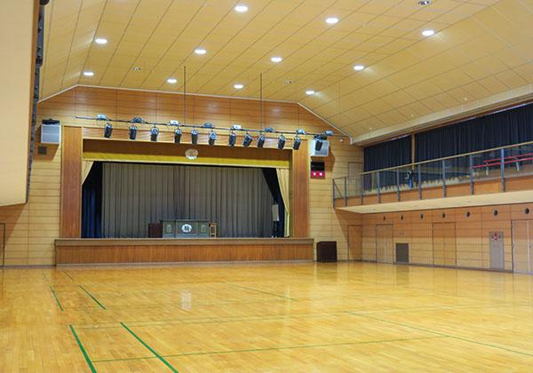 冷暖房完備の体育館