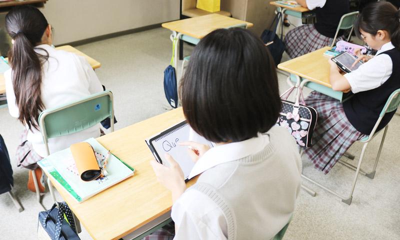 東京女子学園中学校・高等学校の授業のようす04