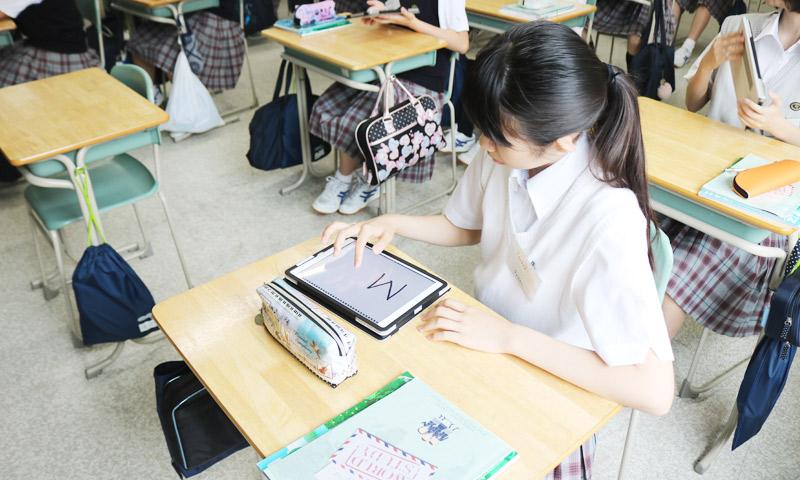 東京女子学園中学校・高等学校の授業のようす05