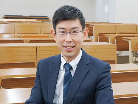 ステージⅠ主任・数学科教諭の柴沼孝幸先生