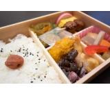 和惣菜の弁当詰め&フライヤー対応♪