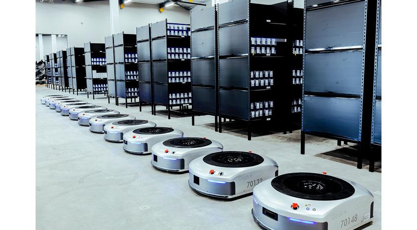 アッカ・インターナショナル、アリババグループが採用するAI物流ロボットをビルケンシュトックに導入