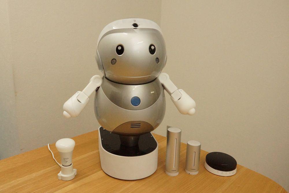 スマートロボティクスの民泊用 IoT ロボット「PAKKUN」とヤフーの IoT プラットフォーム「myThings Developers」が連携し、 民泊物件でのロボット活用の実証実験を開始