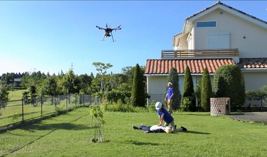 テラドローンなど、AEDを搭載した救急用ドローンの飛行実験を実施