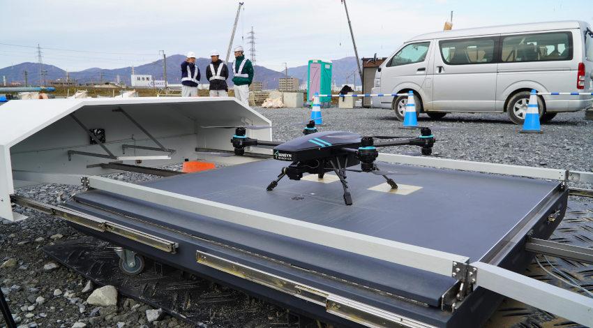 フジタとセンシンロボティクス、「SENSYN DRONE HUB」を活用した安全巡視・土木測量の機能検証を実施