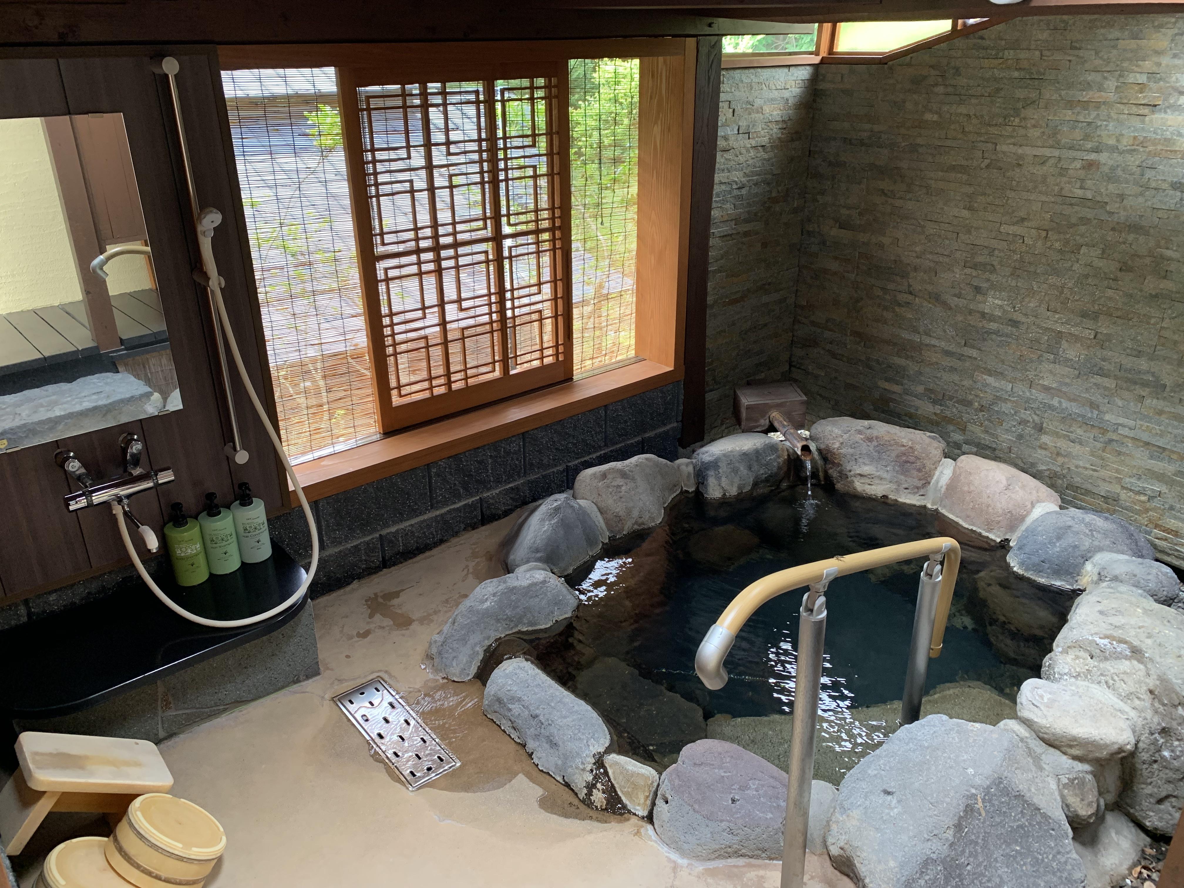 《日本🏨大分》每天只接四組客人,九州大分縣超隱世溫泉旅館「秀月」一泊二食,私人戶外風呂筋湯溫泉泡到爽!
