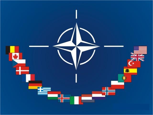 岡部伸] 【NATO加盟で「西側」...