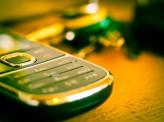 [芳賀由明]【携帯3社、市場適正化に苦慮】~特集「2016年を占う!」携帯電話市場~