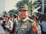 人権侵害事件の黒幕、入閣の怪 インドネシア・ジョコウィ大統領の胸中 その1
