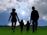 仏で日本人の子供連れ去り非難