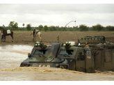 高速水陸両用装甲車の開発はムダ