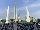 バンコクで学生ら反政府デモ