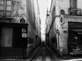 仏、都市封鎖で暴力事件多発