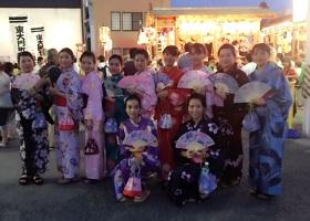 日本文化交流として地域の祭りに参加