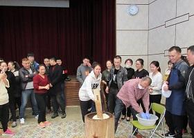 中国人技能実習生100名参加し餅つき大会