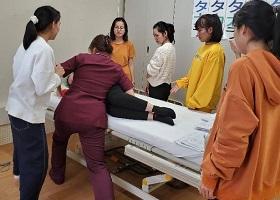 护理技能实习生  每月定期举行的研习会