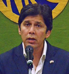 ケビン・デリオン 米カリフォルニア州上院議長 写真 1