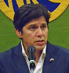 ケビン・デリオン 米カリフォルニア州上院議長 写真 2