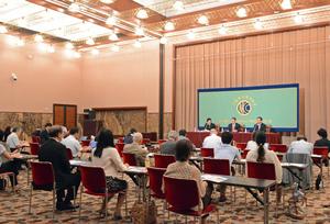 アヒム・シュタイナー 国連開発計画総裁 会見  写真 4