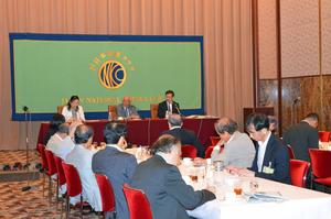 ラウレル5世 駐日フィリピン大使 昼食会 写真 4
