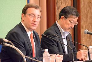 アヒム・シュタイナー 国連開発計画総裁 会見  写真 3