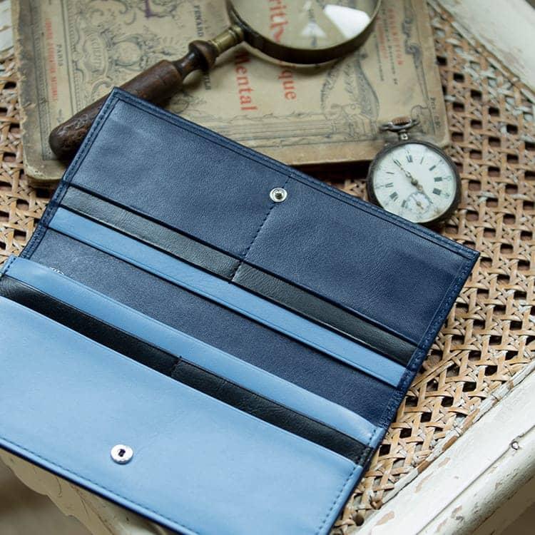 JOGGO LIMITED COLOR 2020  幸せの青、いつもあなたの手の中に。1・2月期間限定レザー『ジェイブルー』 メンズバイカラー長財布